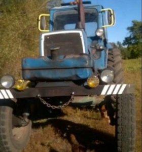 Продаётся трактор юмз-6+прицеп
