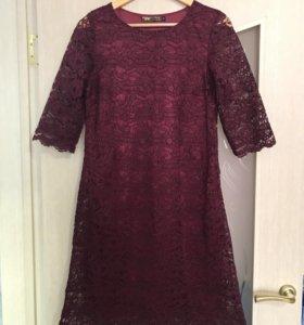 Продаю платье в отличном состоянии