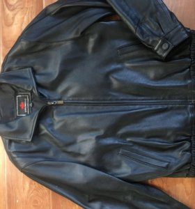 Кожаная куртка 48-50