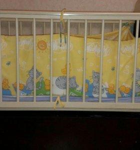 Кроватки детские и комод