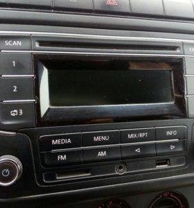Штатная магнитола поло седан volkswagen