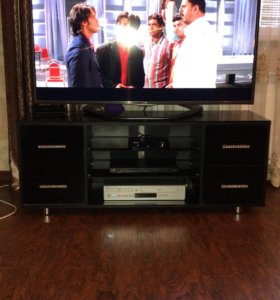 Подставка из стекла под телевизор+телевизор LG
