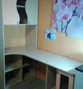 Школьный стол для девочки