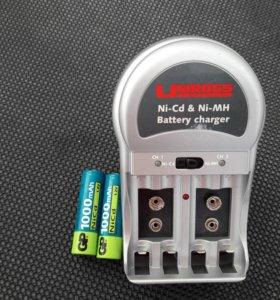 Зарядник для аккумуляторов + аккумуляторы