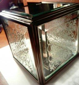 Шкатулка из стекла ручной работы
