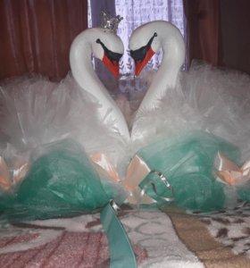 Лебеди на машину