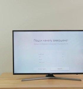 """Как новый 4К LED-телевизор 43"""" (108 см) Samsung"""