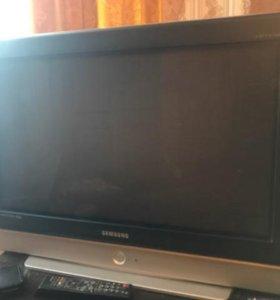 Телевизор Самсунг 2007 года выпуска