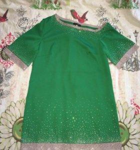 Платье с стразами на одно плечо