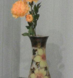 Ваза и цветок