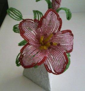 Цветок из бисера.