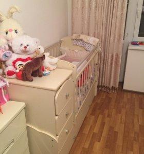 Детская кровать с комодом
