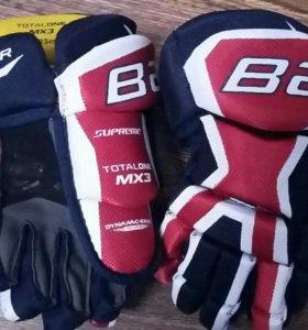 Детские хоккейные перчатки Bauer Supreme totalone