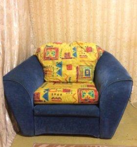 Кресло-кровать продаю срочно!