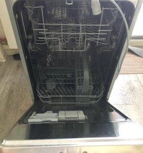 Посудомоечная встраиваемая машина Whirlpool