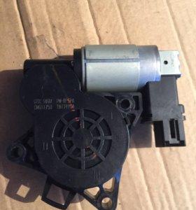 Мотор стеклоподъемника мазда 3 бк