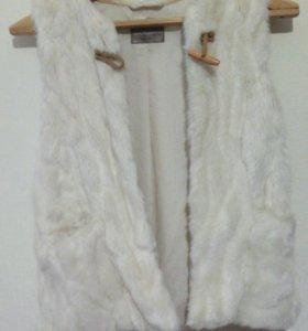 Меховая безрукавка Zara