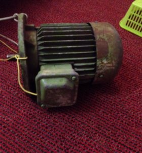 Двигатель трёхфазный