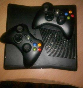 Xbox 360 прошитый с 2 джойстиками