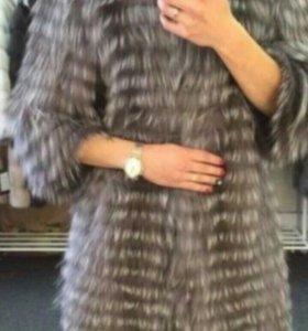 Пальто на трикотаже из чернобурки