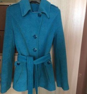 Пальто Ланика 42 размер