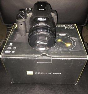 Фотокамера с суперзумом Nikon Coolpix R900