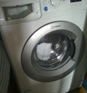 Машинка стиральная.