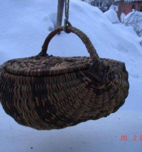 Плетеная корзинка с откидной крышкой №45 редкая