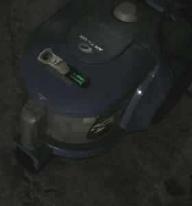 Пылесос SAMSUNG AIR TRACK 1600W
