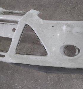 Бампер передний на Ford Focus 3