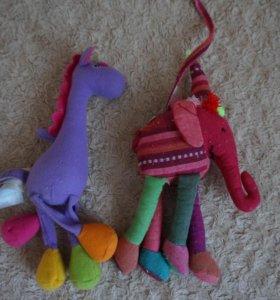 Мягкие игрушки в кроватку, коляску