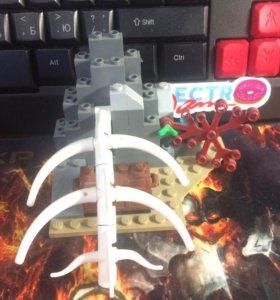 Лего скала с костью динозавра