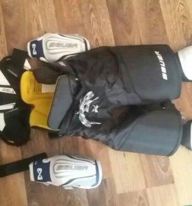 Детская хоккейная защита Bauer