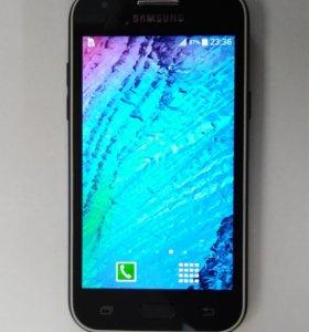 Смартфон Samsung Galaxy J1 SM-J100F