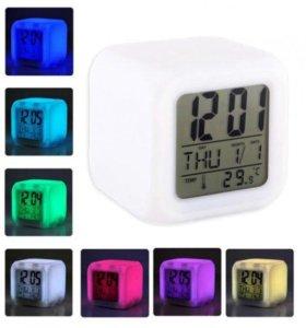 Часы - будилник Светящийся Кубик Оптом