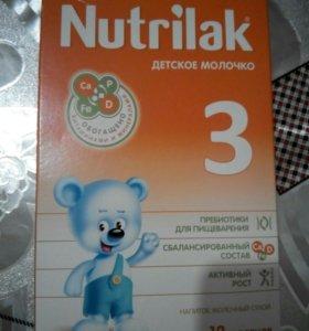 Молочная смесь Nutrilak -2,3. Каша Нестле.