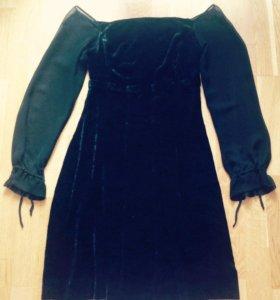 Маленькое чёрное платье из шелкового бархата