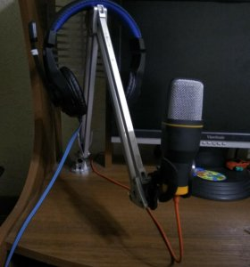 Конденсаторный микрофон+стойка+звуковая карта