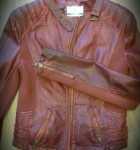 Новая куртка из Праги куплена в доме мод Van Graaf
