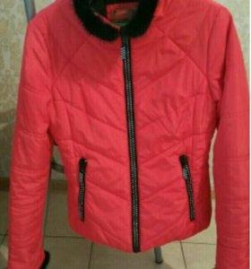 Фирменная куртка на весну