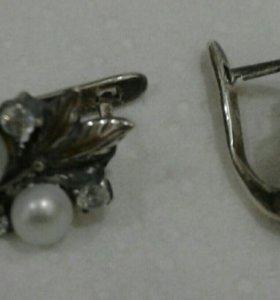 Серьги с жемчугом и феонитами, серебро