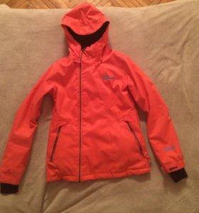 Сноубордическая куртка женская