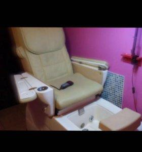 Педикюрное кресло с массажем