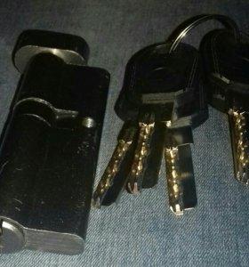 Цилиндр (личинка для замка) MASTER-LOCK(90/55х35)