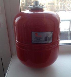 Расширительный бак для системы отопления на 18л