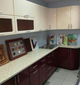 Кухонный гарнитур 2,7 *1,35 м