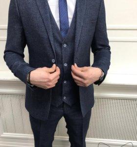 Новый мужской костюм тройка