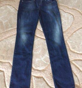 Новые джинсы Joop