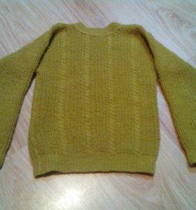 Теплый свитер для девочки.