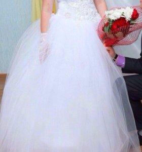 Свадебное платье,туфли,серьги и подъюбник